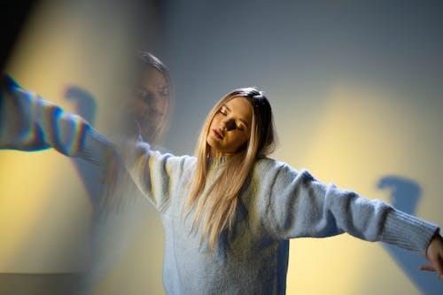 Foto profissional grátis de alucinação, dança, dançando