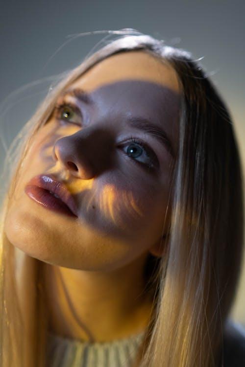Ingyenes stockfotó ábrándozás, ajkak, álló kép témában