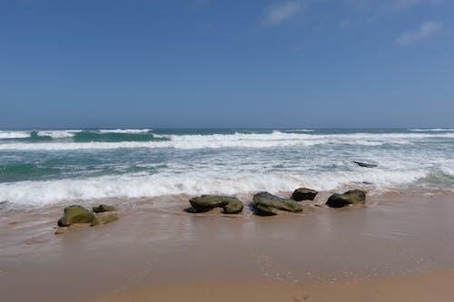 Foto profissional grátis de água, ao ar livre, areia
