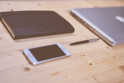 Free stock photo of apple, iphone, smartphone, desk