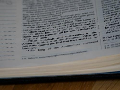 Fotos de stock gratuitas de Biblia, bokeh, Canon, cristianismo