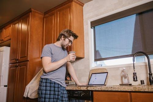 Darmowe zdjęcie z galerii z dom, kawa, kran