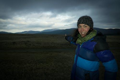 Imagine de stoc gratuită din alpinist, arată cu degetul, cer, drumeț
