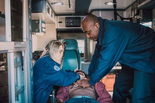 Fotos de stock gratuitas de ambulancia, cpr, emergencia