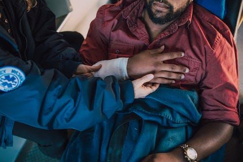 Fotos de stock gratuitas de brazo, herido, hombre