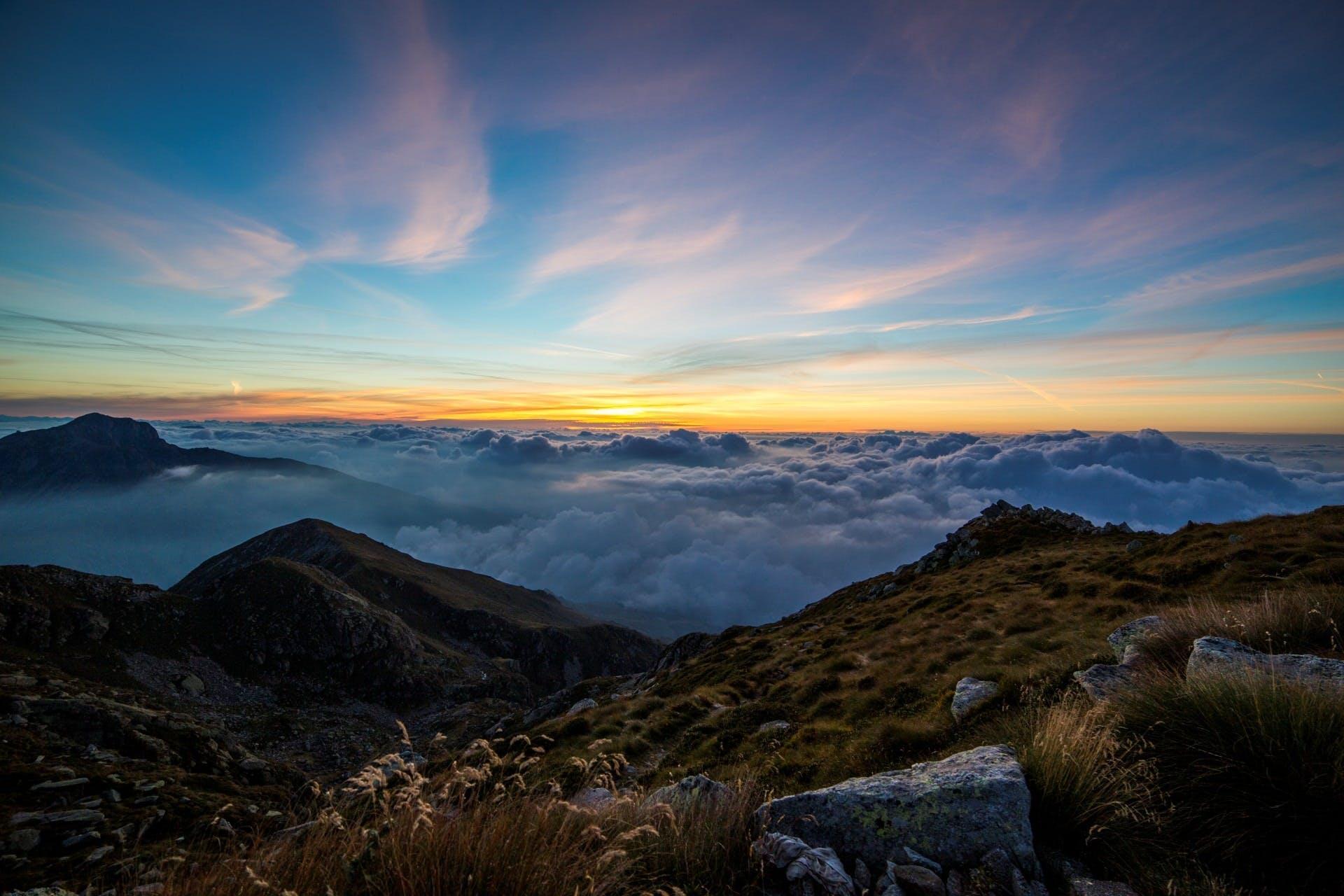 Fotos de stock gratuitas de césped, cielo, escénico, montañas