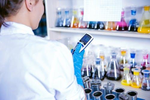 Kostenloses Stock Foto zu apotheker, bedienung, biochemie
