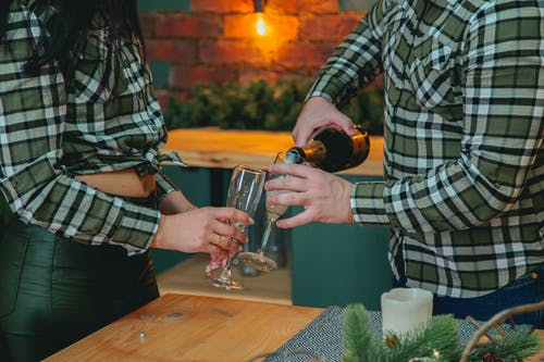 Foto profissional grátis de acontecimento, álcool, amado