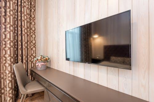 TV, 가구, 꽃의 무료 스톡 사진