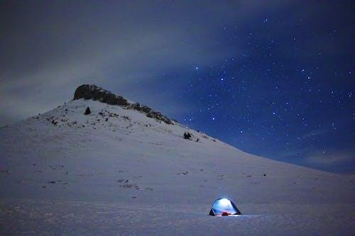 Δωρεάν στοκ φωτογραφιών με Άνθρωποι, αστρονομία, αυγή, βουνό