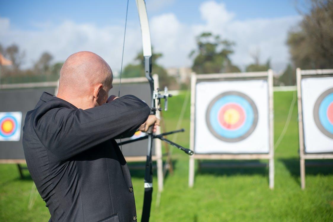 Immagine gratuita di arciere, arco e freccia, arco sportivo