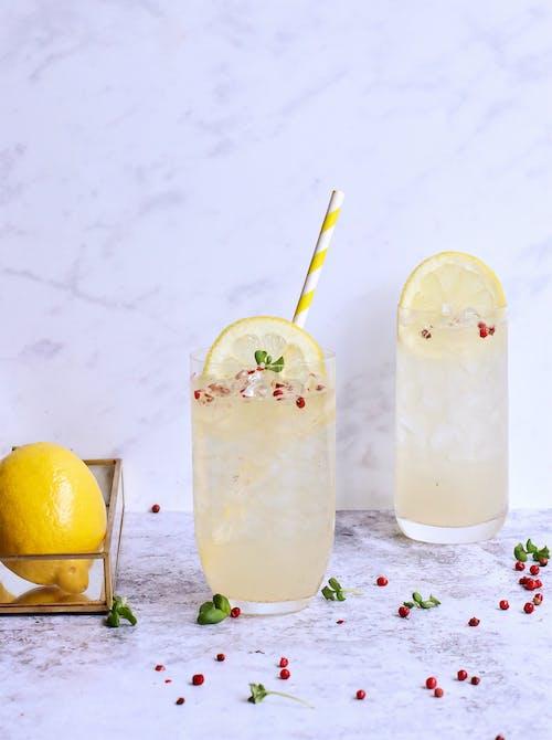 Refreshing cold lemonade with lemon slice