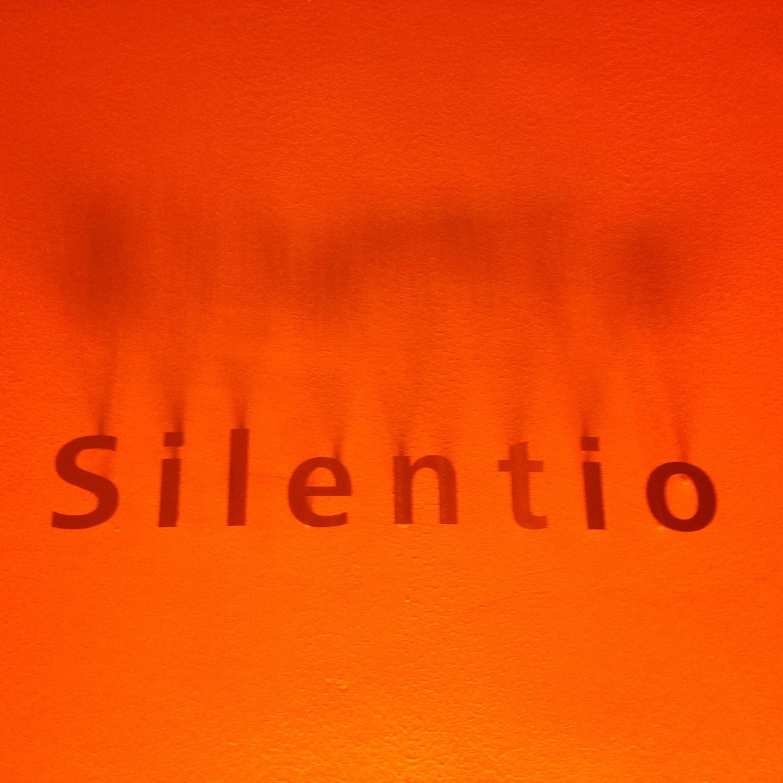 Δωρεάν στοκ φωτογραφιών με raum der stille, silentio, stille, κόκκινο