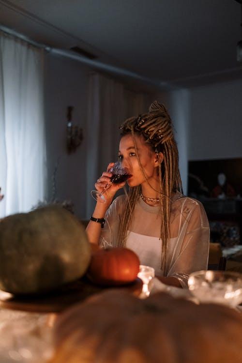 アルコール飲料, ドレッドヘア, 休日の無料の写真素材
