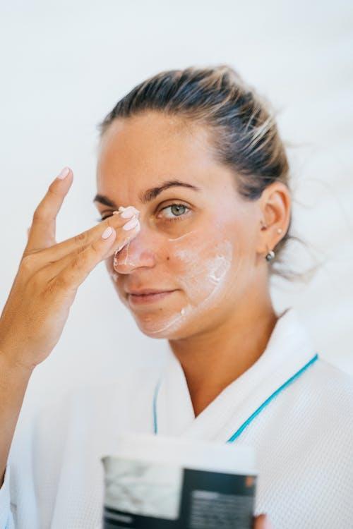 Immagine gratuita di adulto, alba, alla ricerca, aromaterapia