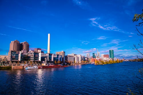 Free stock photo of big city, high-rise, river