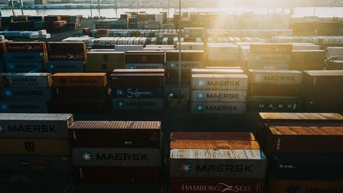 Storage of many cargo containers in bright sunshine