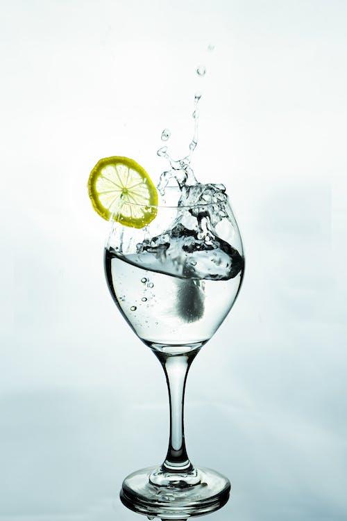 Бесплатное стоковое фото с h2o, вода, всплеск