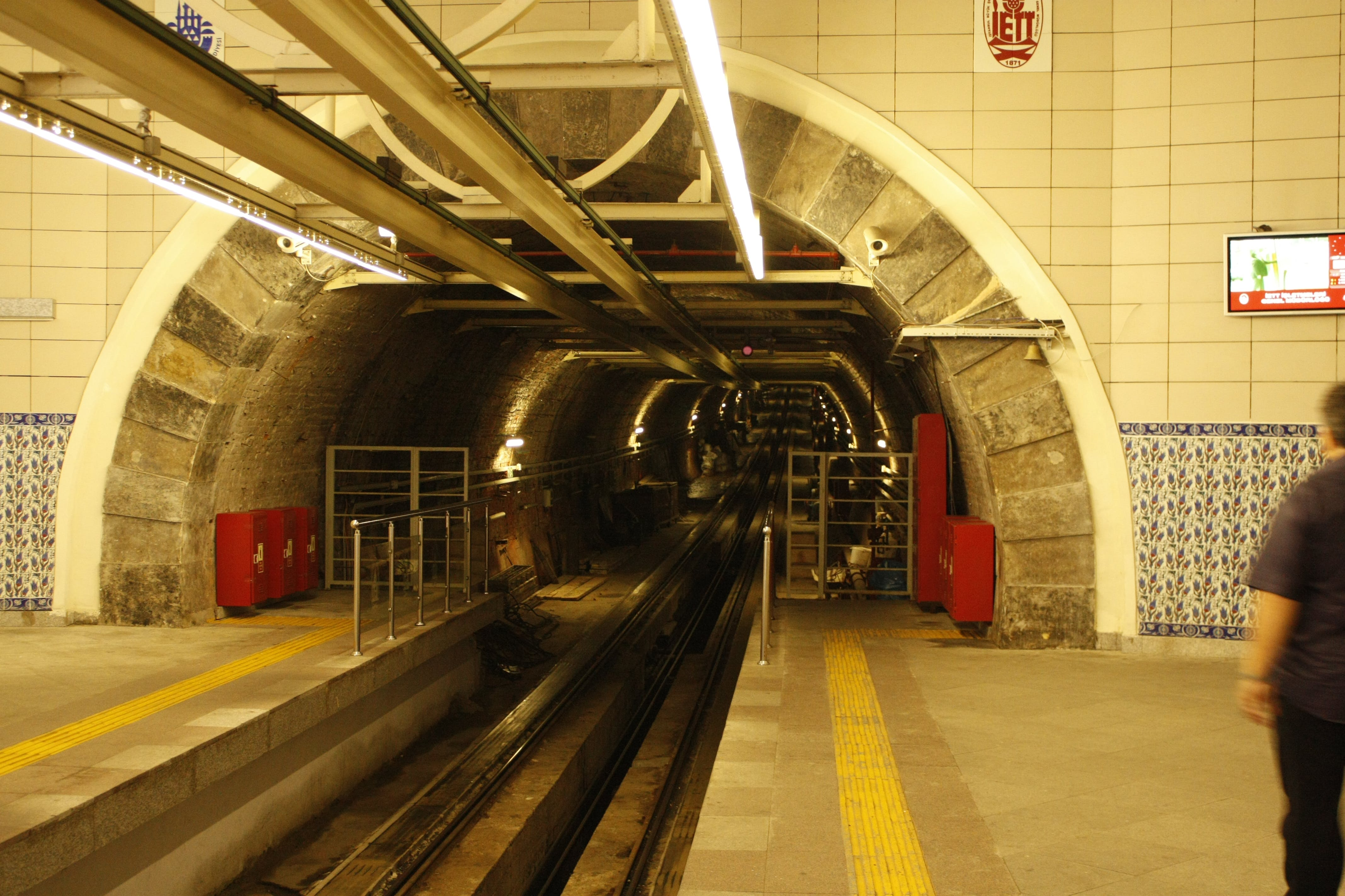 Free stock photo of Istanbul, tram, tunel, tunnel