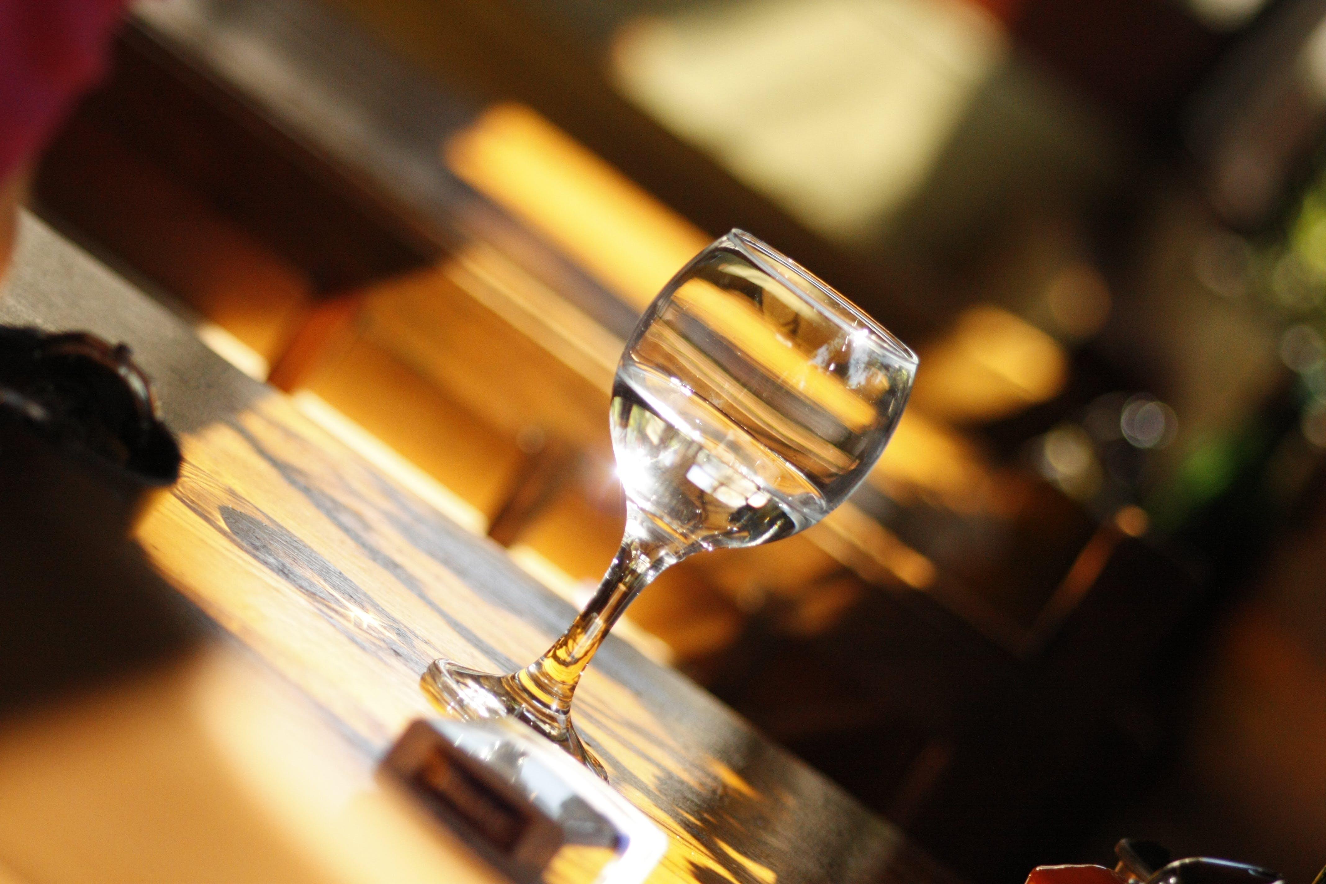 Základová fotografie zdarma na téma restaurace, sklenice, sklenice na víno, víno