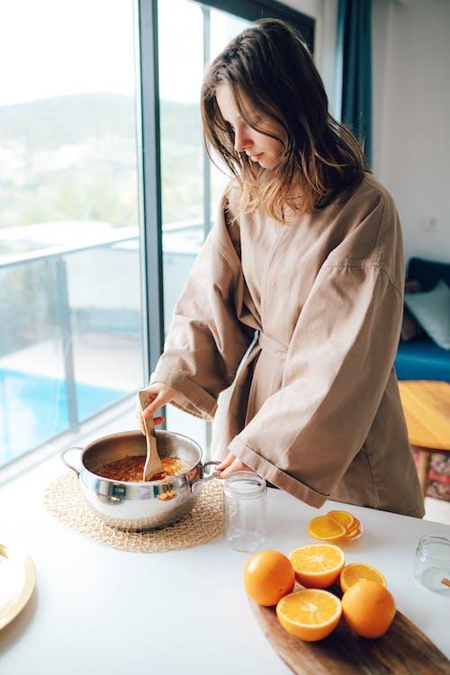 Kostnadsfri bild av apelsinjuice, avslappning, bord, familj