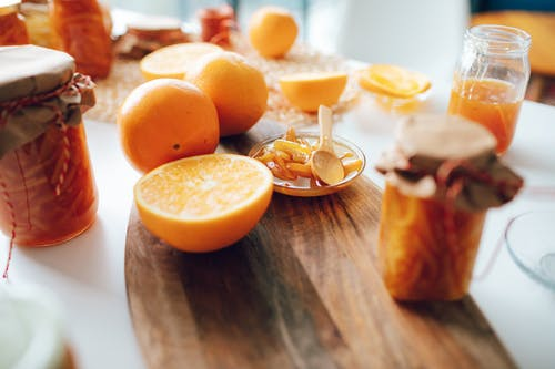 Kostnadsfri bild av apelsinjuice, äpple, bord, dryck