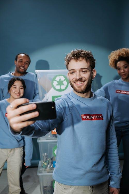 Foto stok gratis amal, asisten sosial, dalam ruangan
