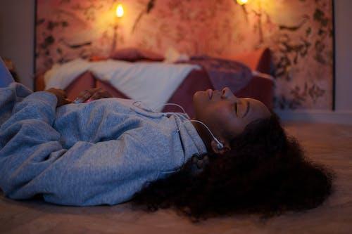 Kostnadsfri bild av afro hår, avslappnad, avslappning