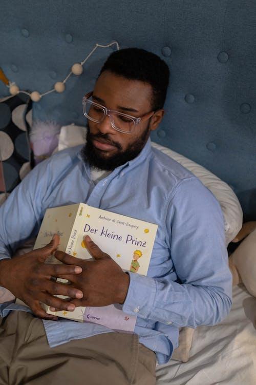 คลังภาพถ่ายฟรี ของ จับ, ชายชาวแอฟริกันอเมริกัน, ชายผิวดำ
