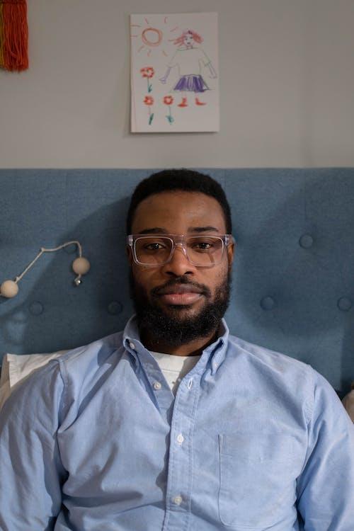 Základová fotografie zdarma na téma afroameričan, brýle, černoch