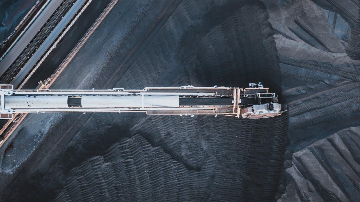 Coal moving on conveyor belts