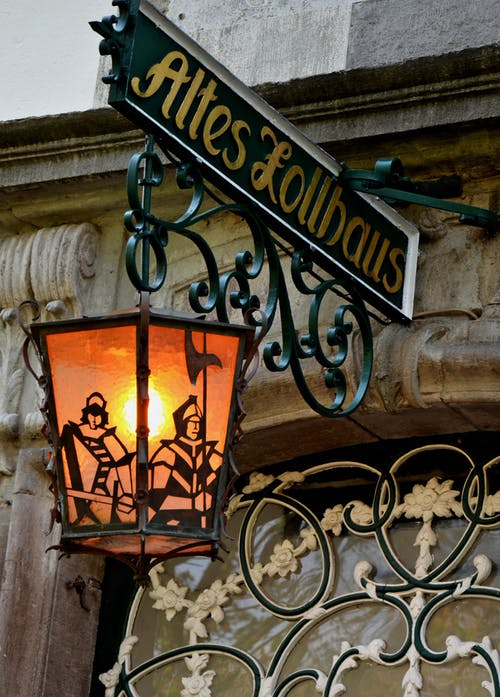 Altes Lollbaus Sconce