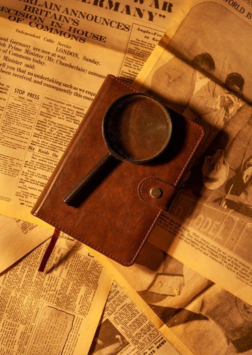 Kostenloses Stock Foto zu alte zeitungen, altes buch, altes notizbuch