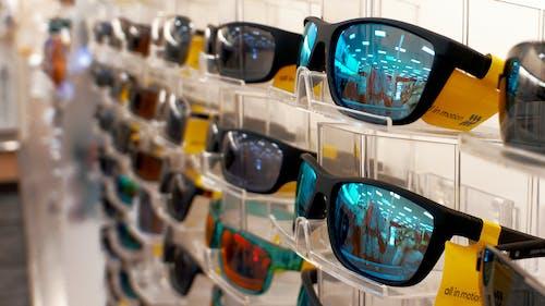Immagine gratuita di accessori, bicchieri, cartellini gialli
