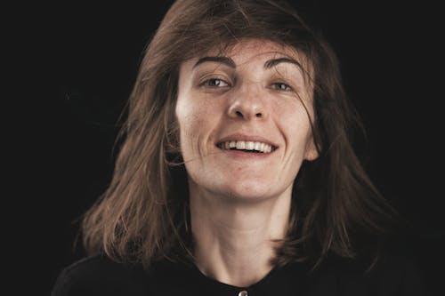Бесплатное стоковое фото с Взрослый, волос, волосы, глаз