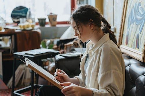 Darmowe zdjęcie z galerii z dorosły, dziewczyna, edukacja, kawa