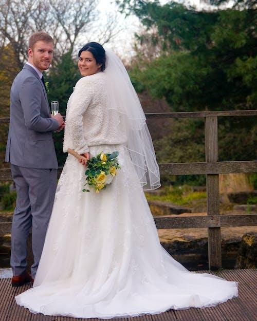 Darmowe zdjęcie z galerii z kobieta, małżeństwo, mąż