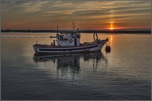 Immagine gratuita di barca, barca da pesca, barca del pescatore, chiatta