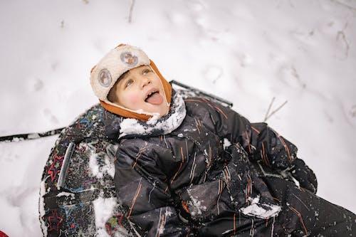 감기, 겨울 옷, 놀이의 무료 스톡 사진