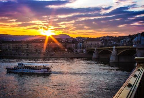 Безкоштовне стокове фото на тему «Будапешт, вода, Захід сонця, міст»
