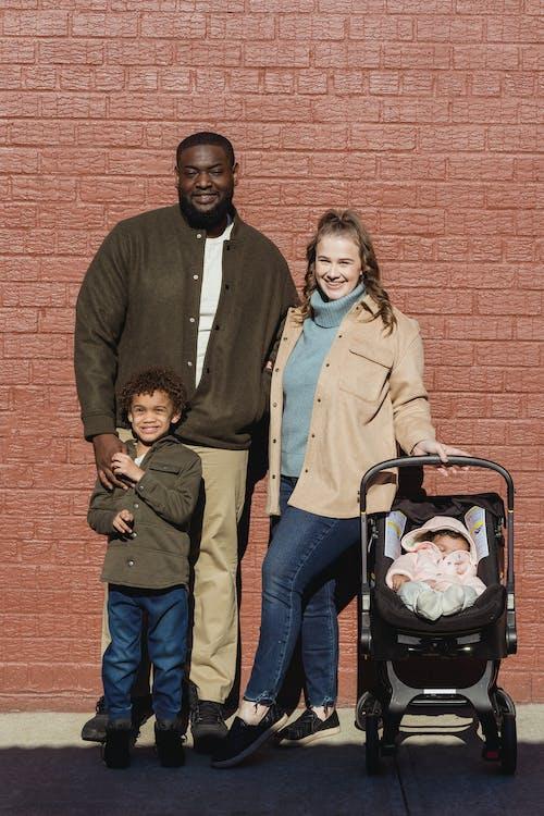Kostenloses Stock Foto zu afroamerikaner junge, afroamerikanischer mann, baby