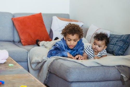 Ingyenes stockfotó afro-amerikai baba, afro-amerikai fiú, aranyos témában