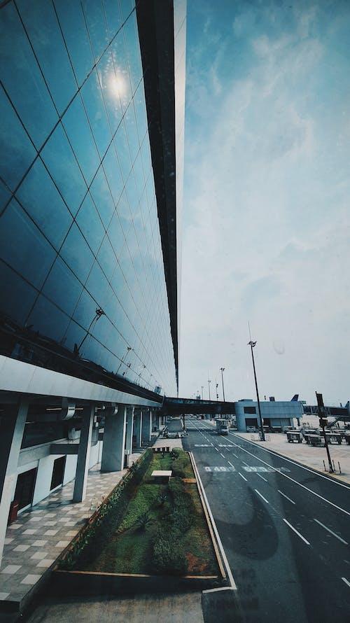 Immagine gratuita di aeroporto, architettura, azzurro