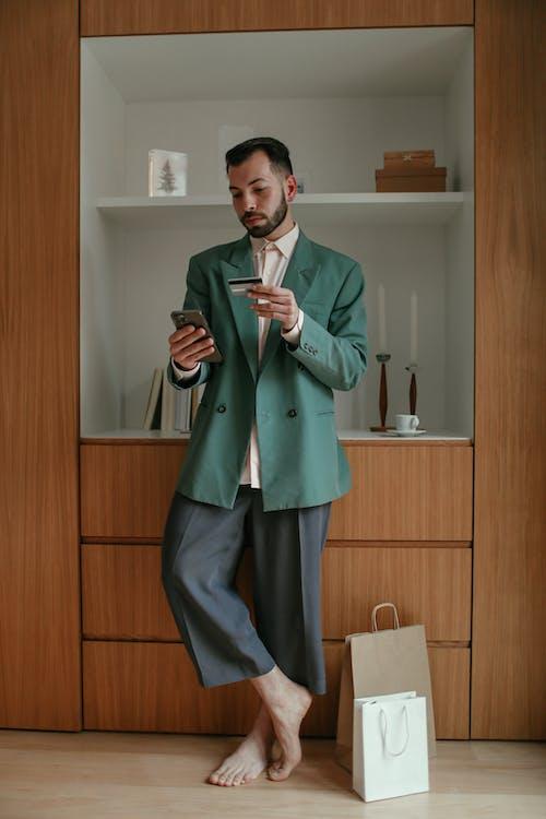 Foto profissional grátis de cartão de crédito, cartão do banco, compras na internet