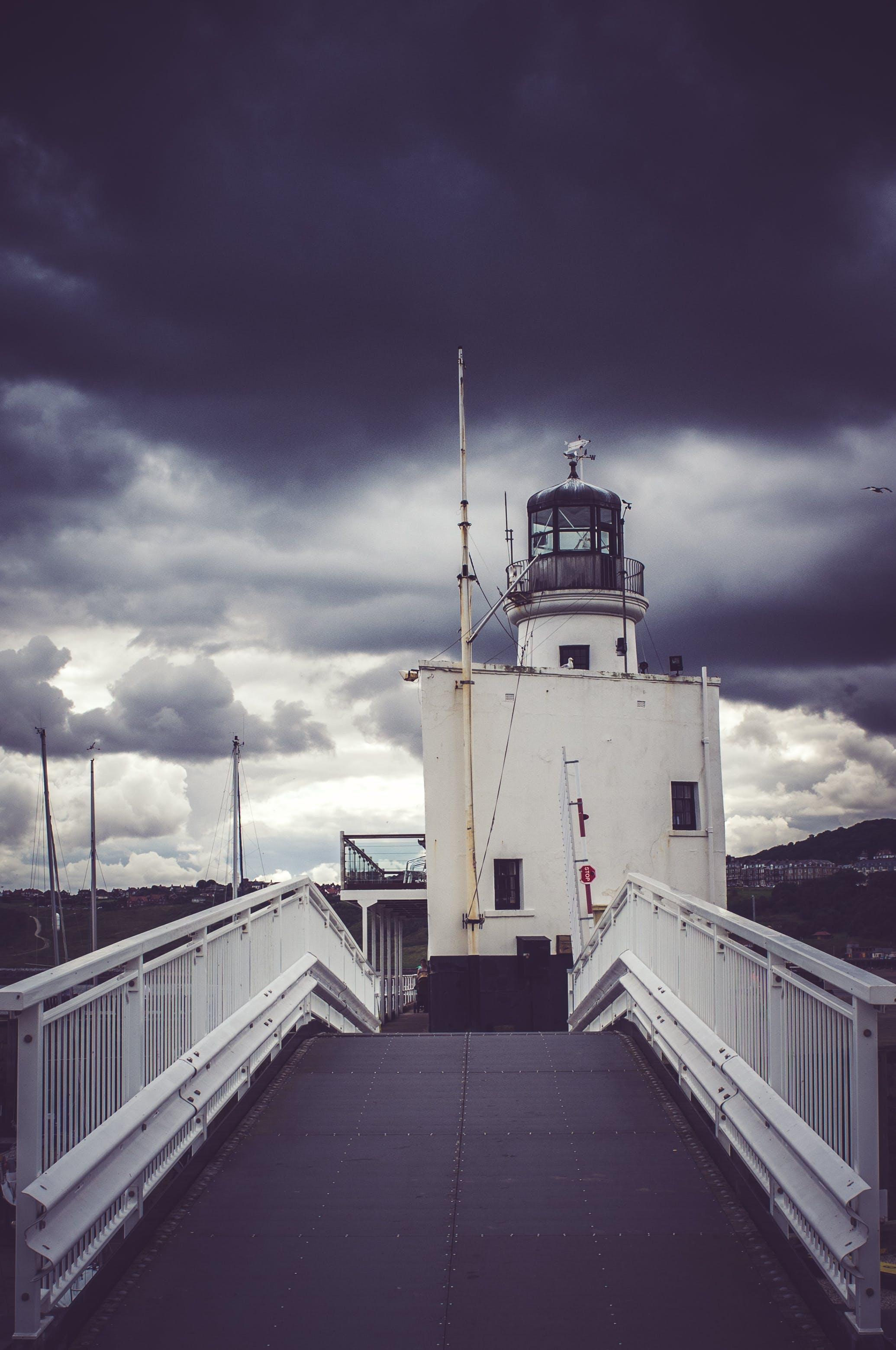 La tempesta si sposterà sulla costa orientale venerdì. thumbnail
