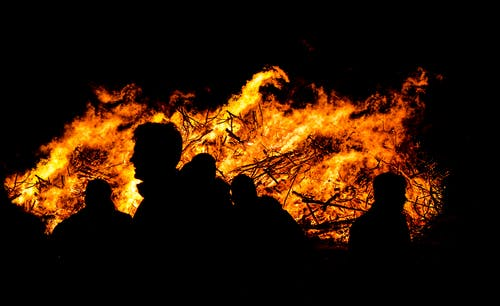 Δωρεάν στοκ φωτογραφιών με fllame, Άνθρωποι, καίω, Νύχτα