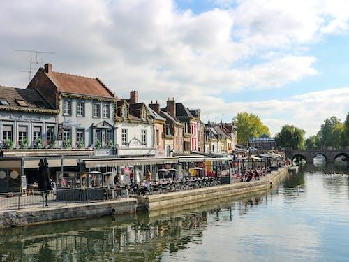 강, 건물, 물의 무료 스톡 사진