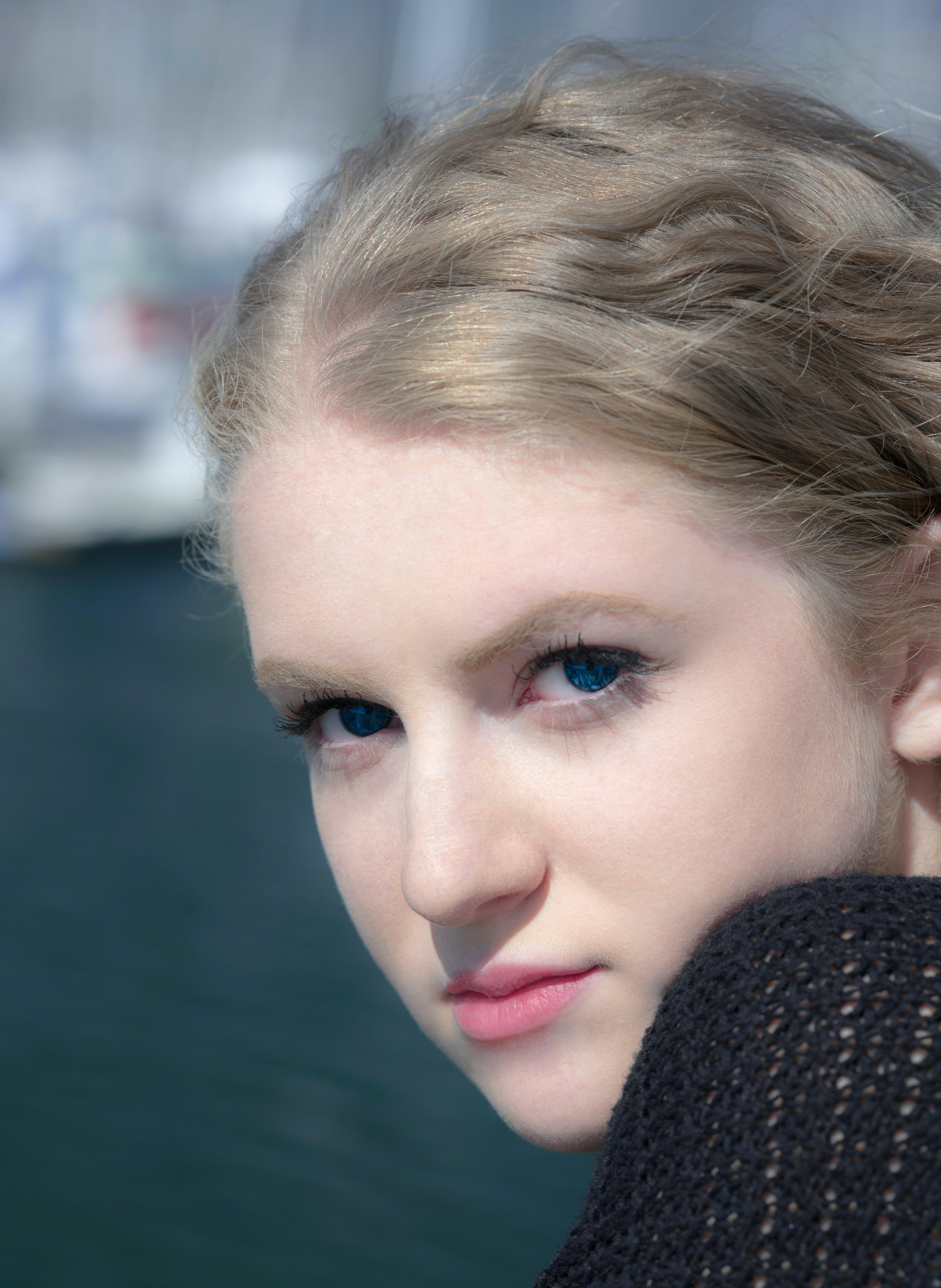 Δωρεάν στοκ φωτογραφιών με κορίτσι, λιμάνι, ξανθός