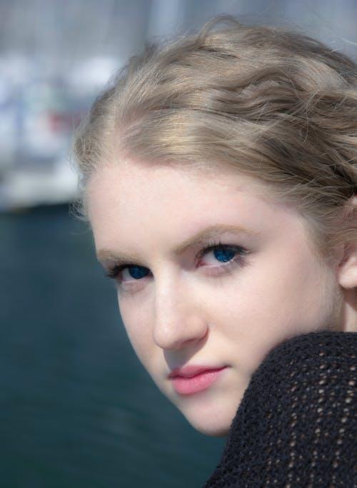 kız, sarışın, yat Limanı içeren Ücretsiz stok fotoğraf