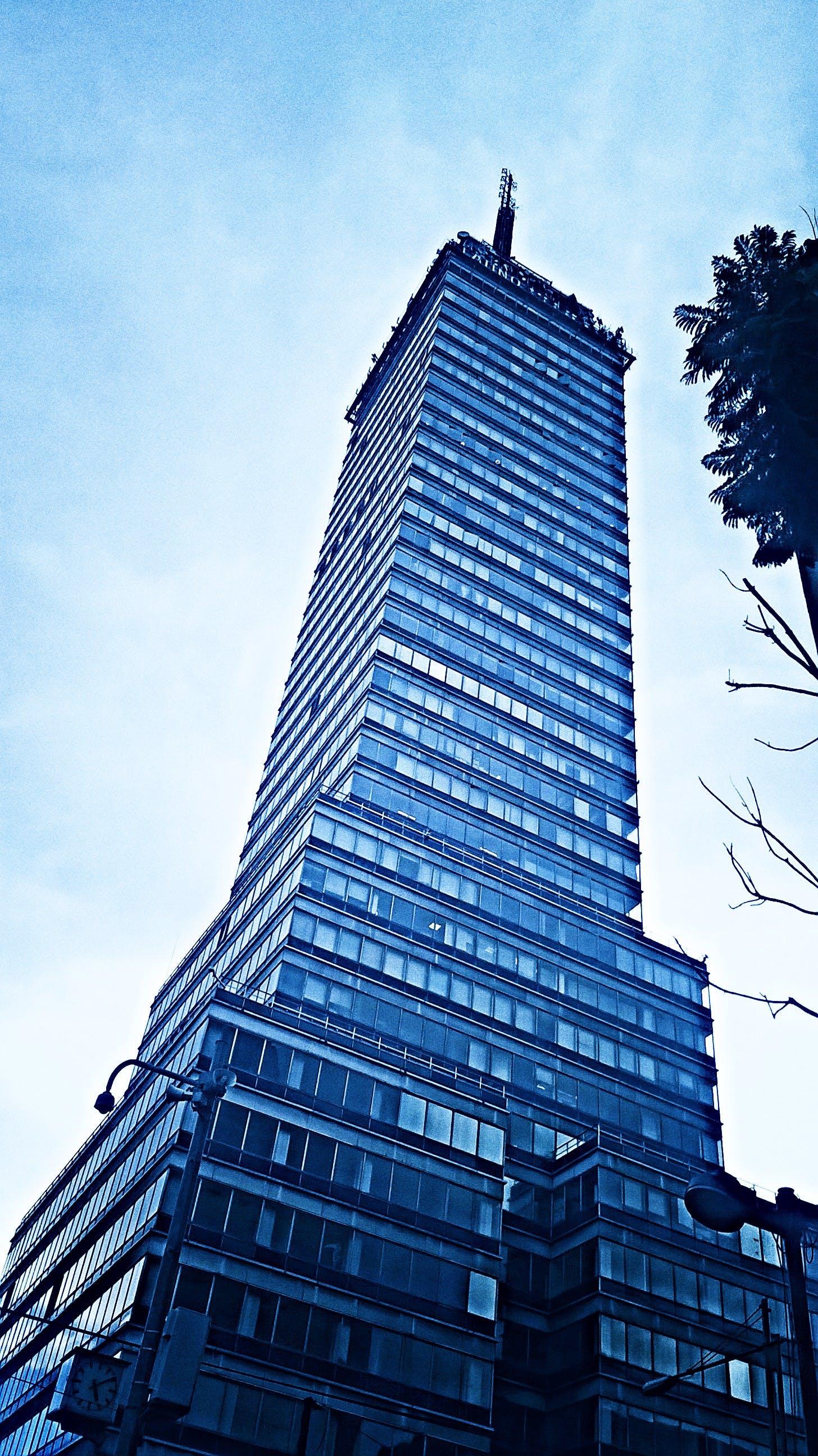 Gratis lagerfoto af arkitektur, bygning, downtown, glasting